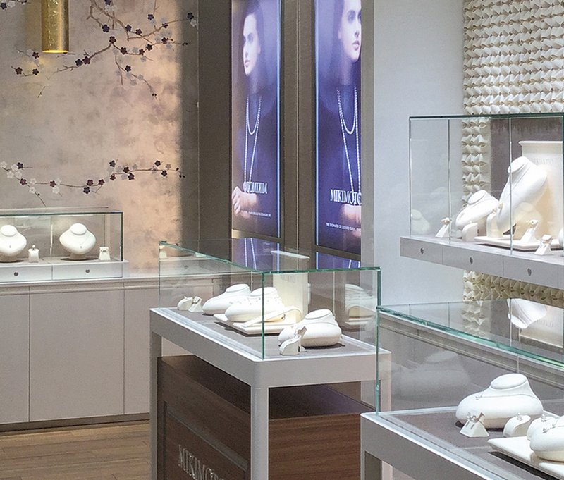 [Translate to English:] OBRIST—INRERIOR-MIKIMOTO-BOUTIQUE-BAKU-ASERBAIDSCHAN